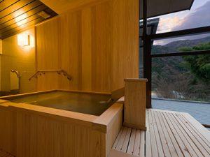 客室露天風呂(迎賓館)
